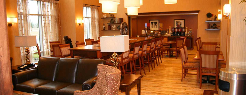 Hôtel Hampton Inn & Suites by Hilton Moncton, Canada - Espace salon du hall
