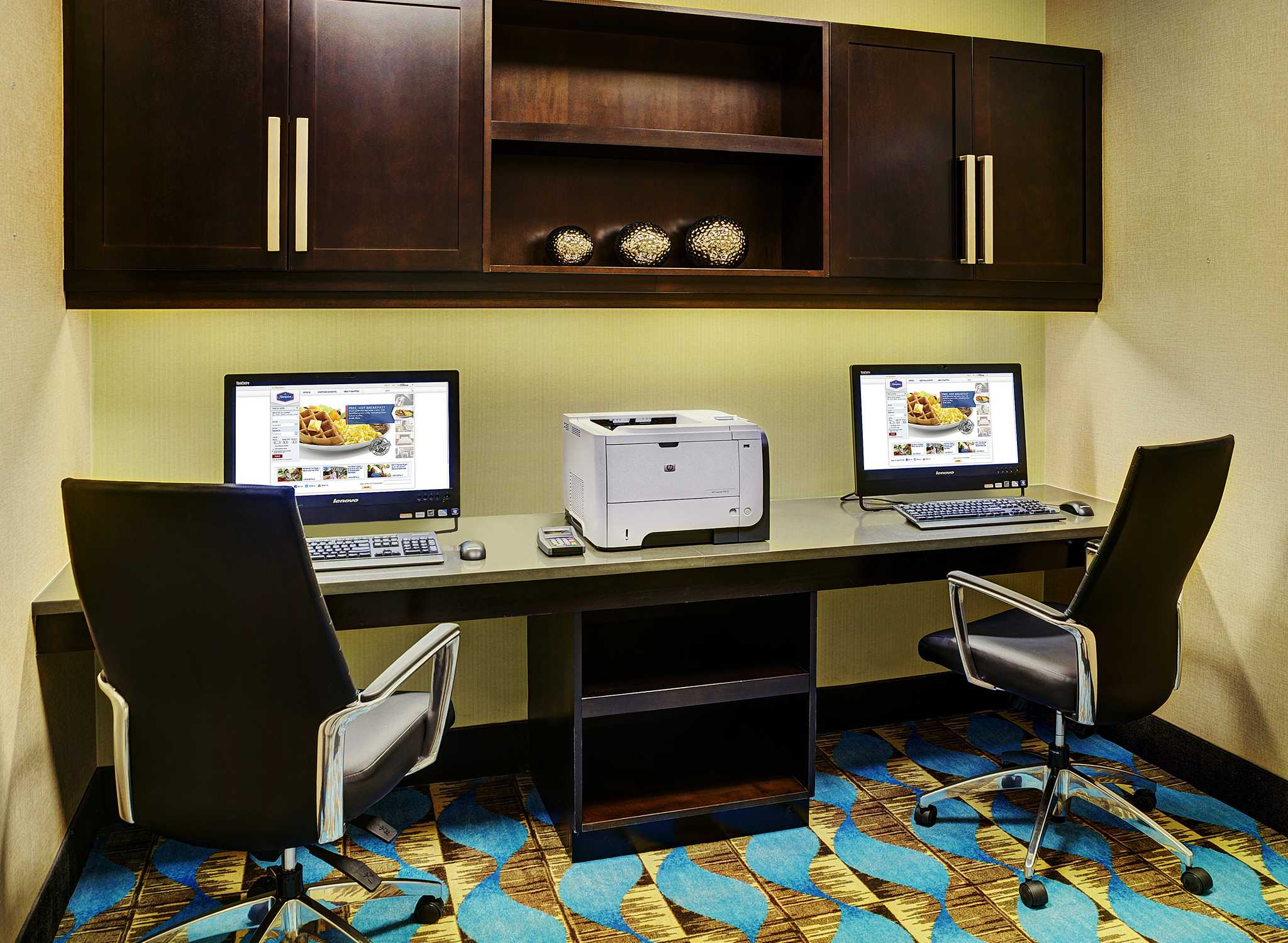 Hôtel Hampton Inn by Hilton Winnipeg Airport/Polo Park, Canada - Centre d'affaires