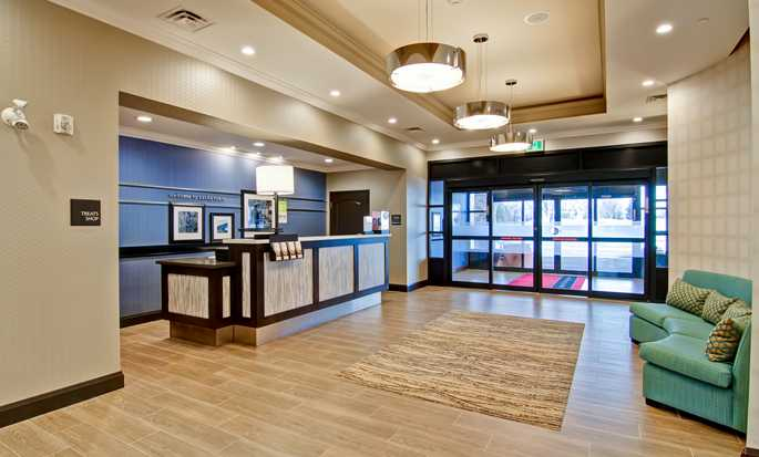 Hôtel Hampton Inn & Suites by Hilton Saskatoon Airport, Saskatchewan, Canada - Hall