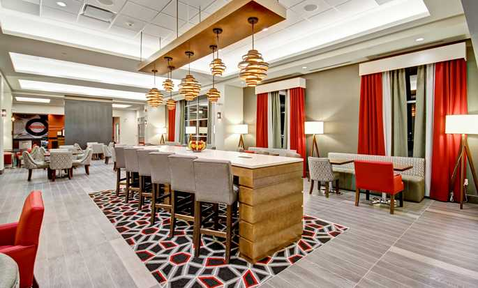 Hôtel Hampton Inn & Suites by Hilton Medicine Hat, Alberta, Canada - Hall