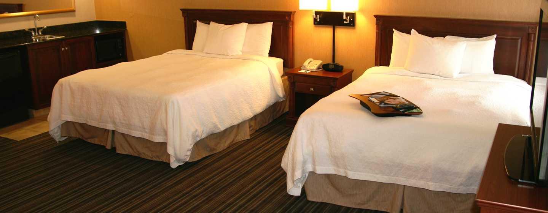 Hôtel Hampton Inn & Suites by Hilton Toronto Airport, Ontario, Canada - Spacieuse suite Studio avec deux grands lits