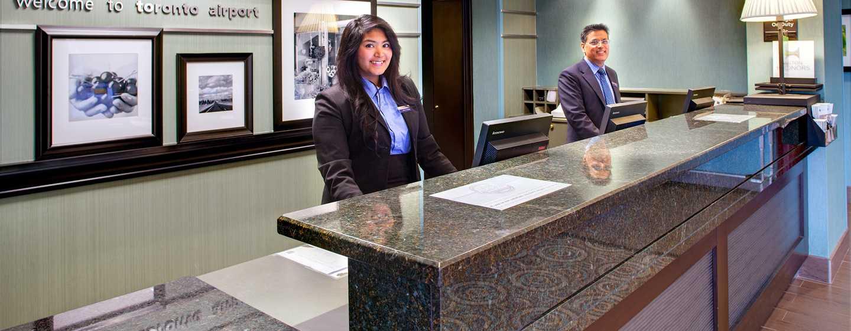 Hôtel Hampton Inn & Suites by Hilton Toronto Airport, Ontario, Canada - Réception