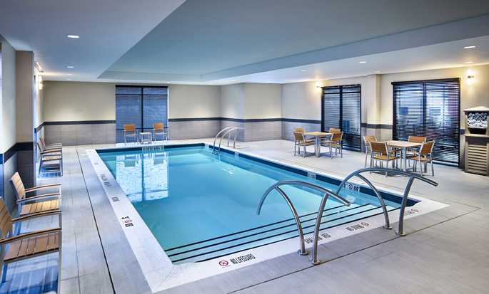 Hôtel Hampton Inn by Hilton Sarnia/Point Edward, Canada - Piscine intérieure
