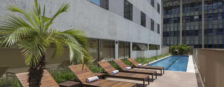 Hotel Hilton Garden Inn Belo Horizonte, Brasil - Piscina