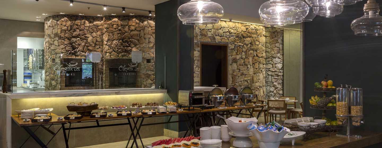 Hotel Hilton Garden Inn Belo Horizonte, Brasil - Restaurante no local