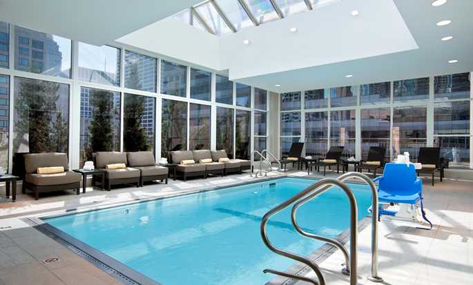 Hotel Hilton Garden Inn Chicago Downtown/Magnificent Mile, EE. UU. - Piscina bajo techo