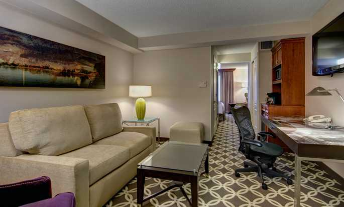Hilton Garden Inn Washington DC Downtown hotel, U.S. - Suite Seating Area