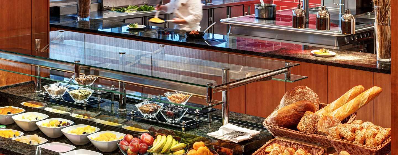 Hôtel Hilton Garden Inn Frankfurt Airport, Allemagne - Cuisine ouverte sur la salle