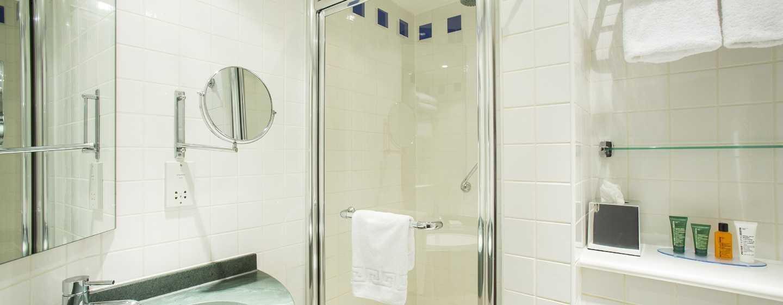 Hilton Garden Inn Glasgow City Centre, Großbritannien– Badezimmer