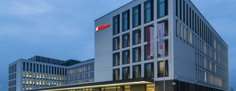 Hilton Garden Inn Kraków Airport, Polska – Wejście do hotelu
