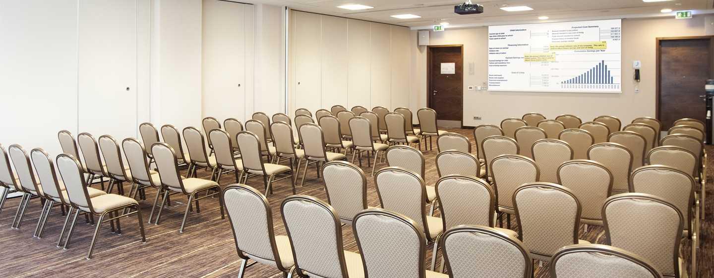 Hilton Garden Inn Kraków, Polska – Sala konferencyjna z rozkładem sali lekcyjnej