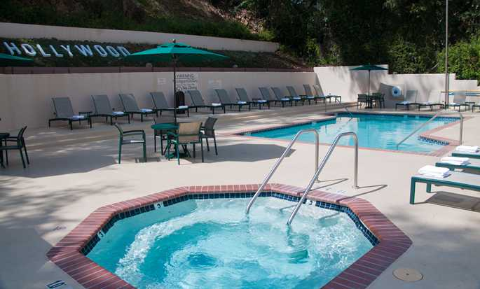 Hilton Garden Inn Los Angeles/Hollywood hotel - Outdoor pool and hot tub