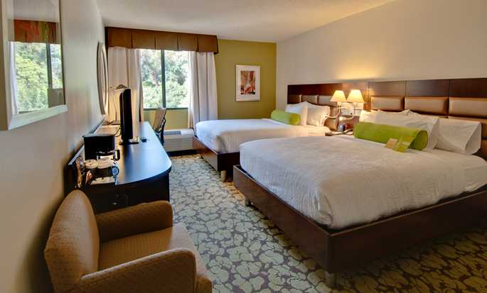 Hilton Garden Inn Los Angeles/Hollywood hotel - Guestroom with two beds