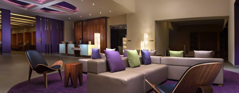 Hotel de aeropuerto Hilton Garden Inn Monterrey, México - Lobby