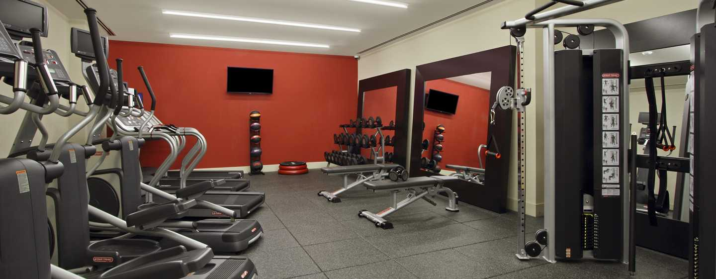 Hilton Garden Inn New York/Midtown Park Ave Hotel - Fitness Center