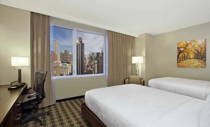 Hilton Garden Inn New York/Midtown Park Ave Hotel - Two double beds