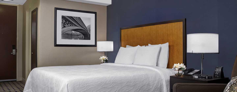 Hilton Garden Inn Times Square Hotel – Zimmer mit King-Size-Bett