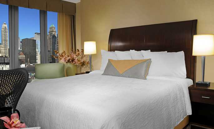 Hotel Hilton Garden Inn New York/West 35th Street, EE. UU. - Habitación con cama King