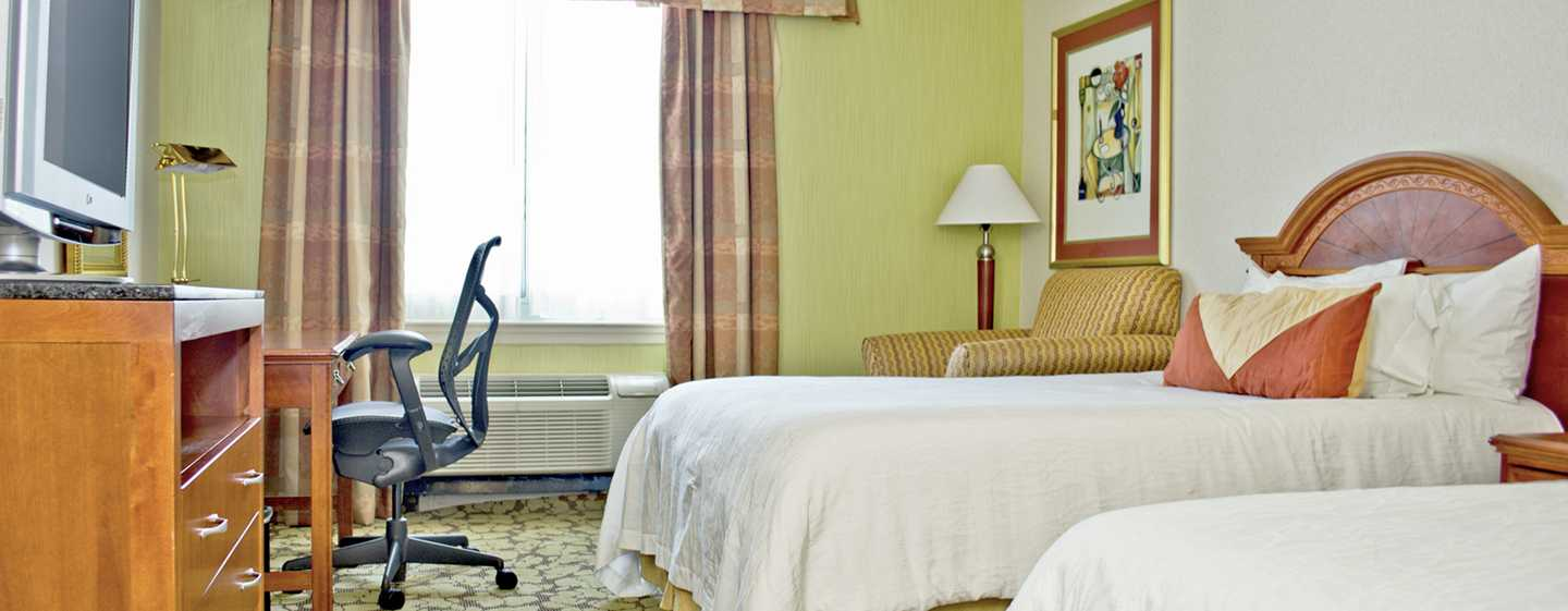 Hilton Garden Inn Philadelphia Center City Hotel, Pennsylvania, USA – Gästezimmer mit Doppelbett