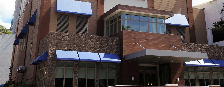 Hotel Hilton Garden Inn Panama, Panamá - Fachada del hotel