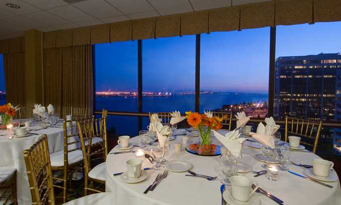 Hilton Garden Inn San Francisco/Oakland Bay Bridge hotel - Ballroom with view