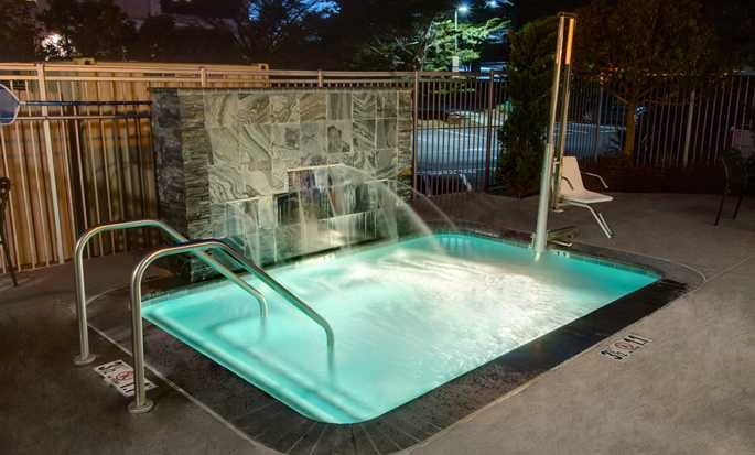Hilton Garden Inn San Francisco/Oakland Bay Bridge Hotel - Outdoor Spa