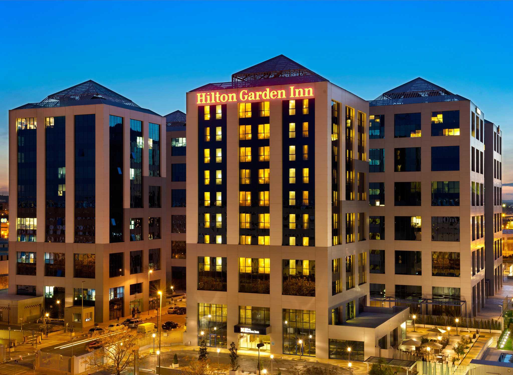 Resultado de imagen de Hilton Garden Inn Sevilla