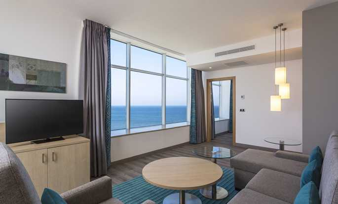 Hotel Hilton Garden Inn Tanger City Center, Marruecos - Sala de estar de la suite
