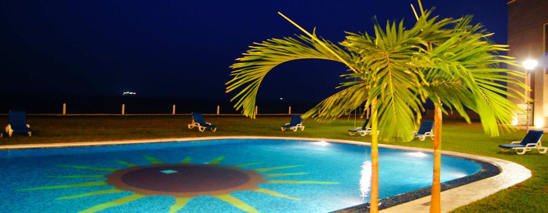 Hilton Garden Inn Boca del Rio Veracruz, México - Piscina junto al mar