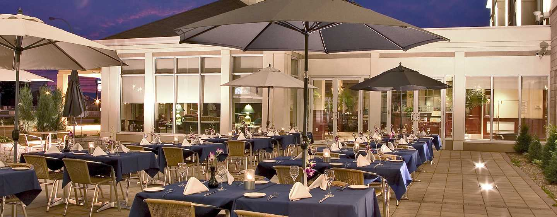H tel hilton garden inn montreal airport for Hilton garden inn austin airport