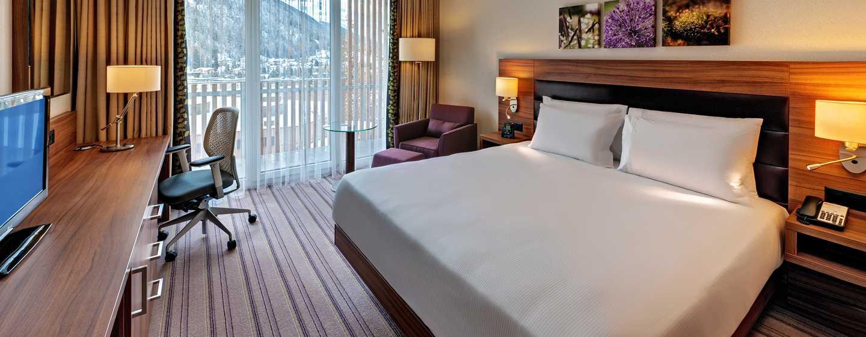 Hilton Garden Inn Davos Hotel, Davos, Schweiz– Zimmer mit King-Size-Bett