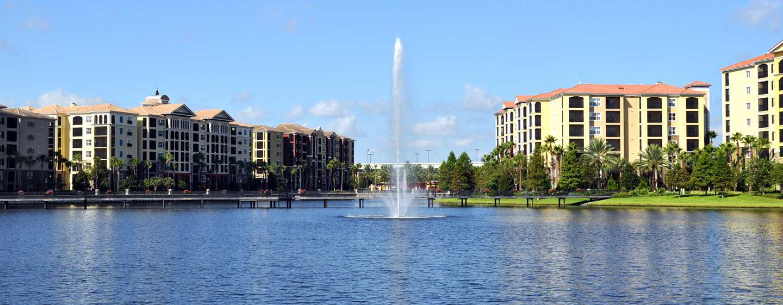 Hilton Grand Vacations at Tuscany Village hotel, Orlando - Exterior - Vista do lago