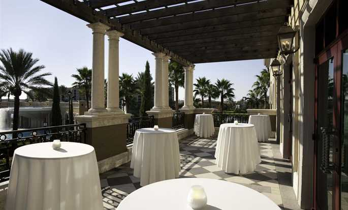 Hilton Grand Vacations at Tuscany Village hotel, Orlando - Patio meeting