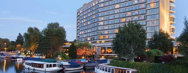hilton amsterdam gerenommeerd luxe hotel in oud zuid. Black Bedroom Furniture Sets. Home Design Ideas