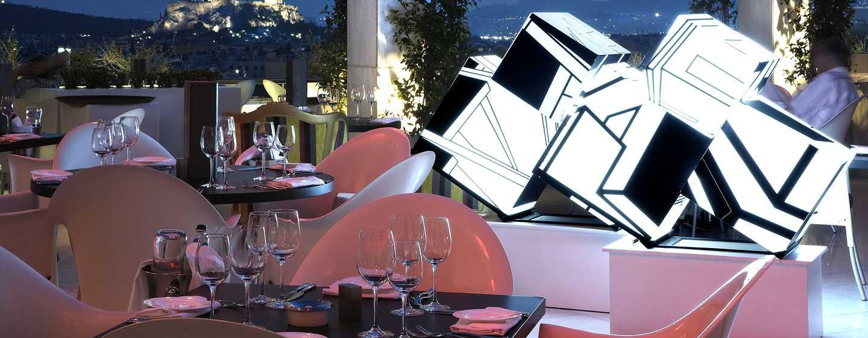 Hilton Athens – Terrasse des Galaxy Bar & Restaurant