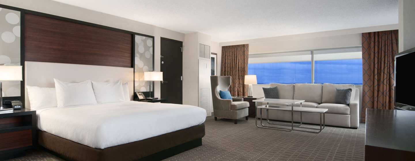Hilton Atlanta Airport Hotel – Junior Suite mit King-Size-Bett