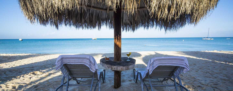 Hilton Aruba Caribbean Resort & Casino hotel, Aruba - Strandpalapa