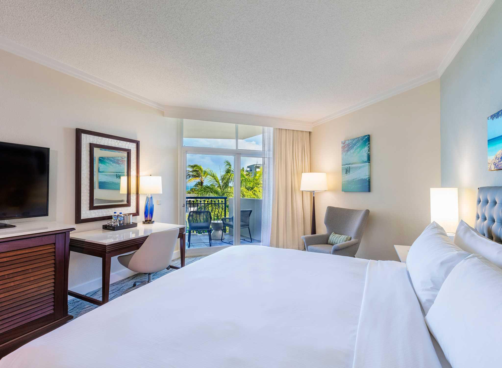 Hotel Hilton Aruba Caribbean Resort Habitaciones Nuevas Habitación Con Cama