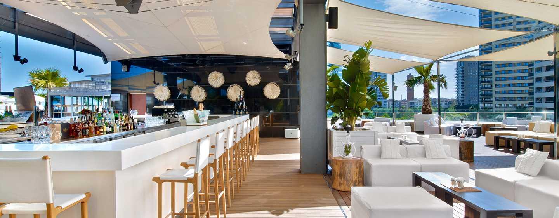 Hôtel Hilton Diagonal Mar Barcelona, Espagne - Terrace sur le toit
