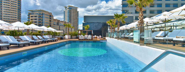 Hilton Diagonal Mar Barcelona Hotel, Spanien – Swimmingpool des Purobeach Barcelona Hotel