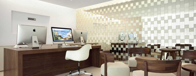 Hotel Hilton Barcelona, España - Centro de negocios del lobby