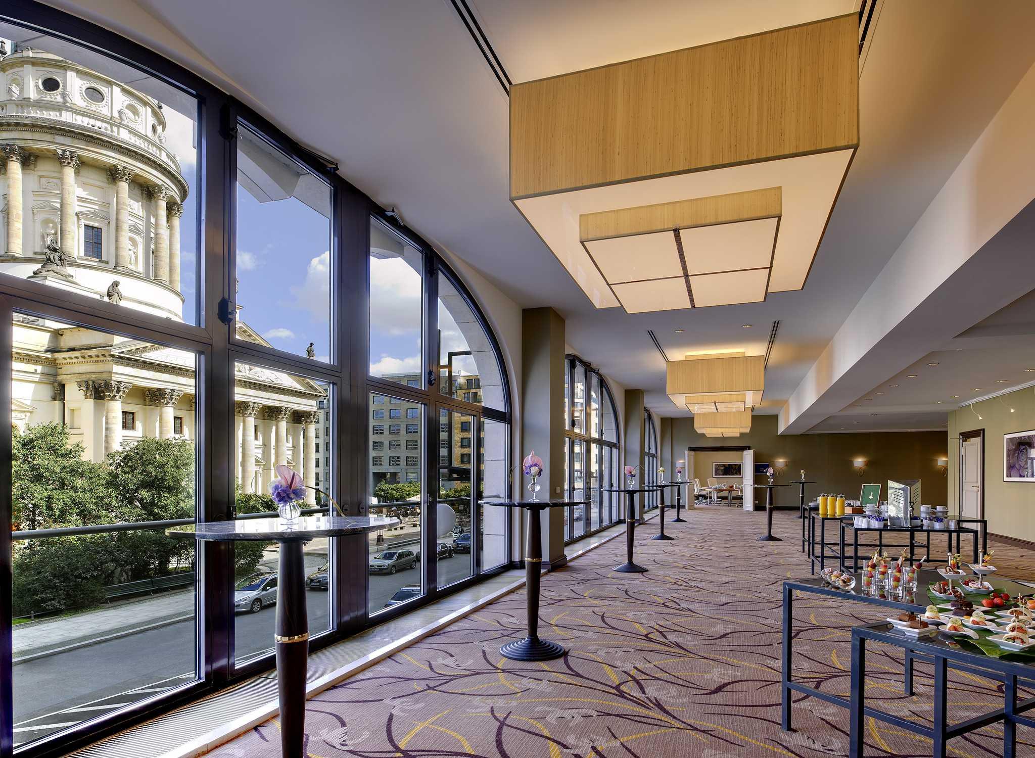 hilton berlin hotel hotel in berlijn duitsland hotel. Black Bedroom Furniture Sets. Home Design Ideas