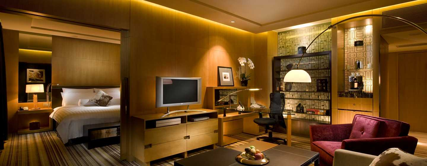 Hilton Beijing, China – Deluxe Suite mit King-Size-Bett