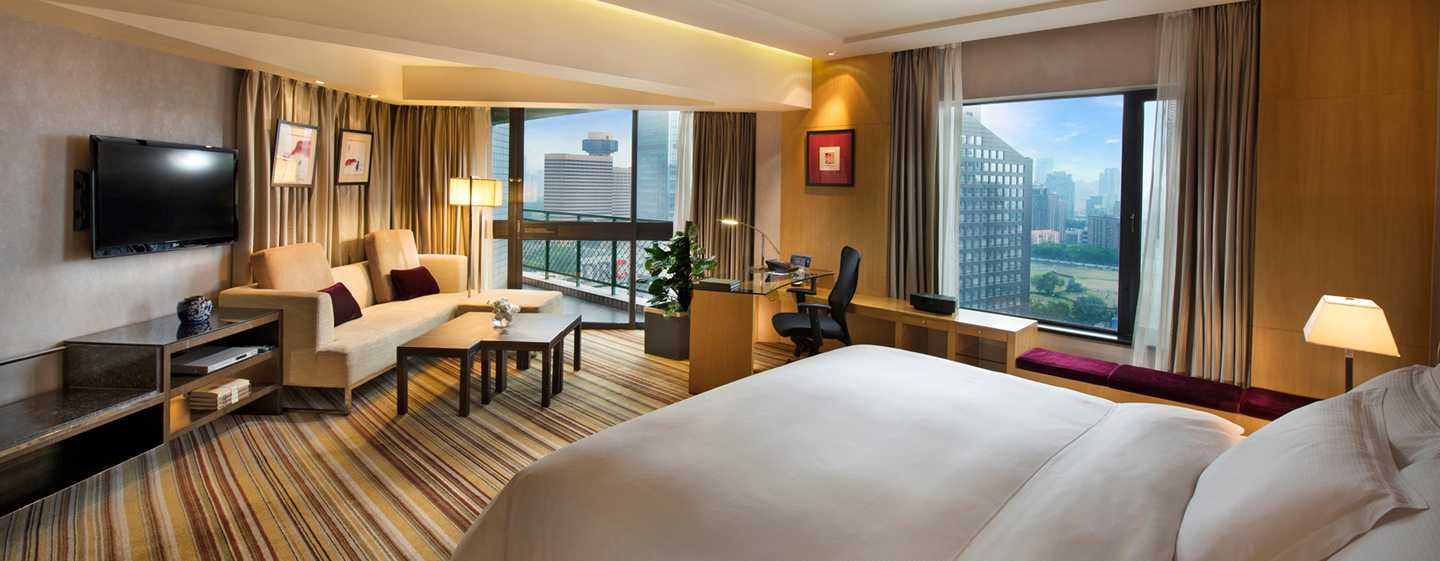 Hilton Beijing, China – Junior Suite mit King-Size-Bett