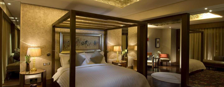 Hilton Beijing, China – Chairman Suite mit King-Size-Bett