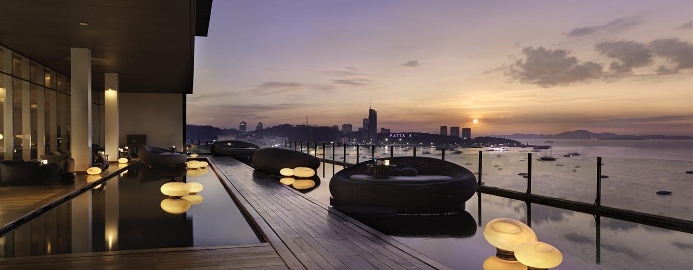 โรงแรมฮิลตัน พัทยา ประเทศไทย - ล็อบบี้เลานจ์ดริฟท์