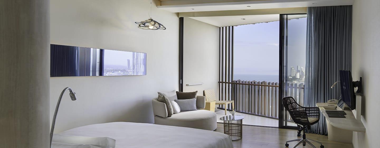 Hilton Pattaya Hotel, Thailand – Deluxe Zimmer mit Kingsize-Bett und Meerblick