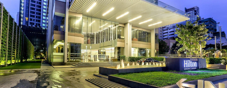 Hilton Sukhumvit Bangkok - ทางเข้าโรงแรม