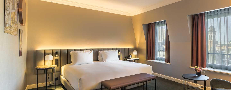 Hôtel Hilton Brussels Grand Place, Belgique - Chambre avec très grand lit