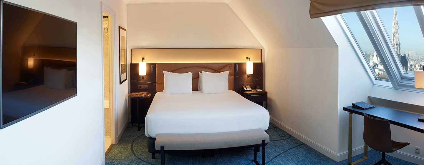 Hilton Brussels Grand Place Hotel, Belgien – Junior Suite mit Ausblick